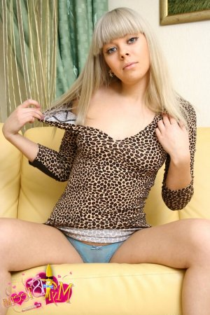Guenia hairy mature escorts Golden Valley
