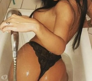 Nivetha cougar escorts in Elizabethtown, KY